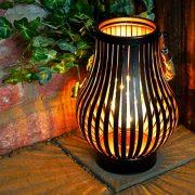 Lanterne-Mtal-avec-Ampoule-Vintage-et-Anse-en-Corde-Lampion-Dcoration-IntrieureExtrieure--Piles-215cm-clairage-Blanc-Chaud-par-Festive-Lights-0-1