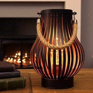 Lanterne-Mtal-avec-Ampoule-Vintage-et-Anse-en-Corde-Lampion-Dcoration-IntrieureExtrieure--Piles-215cm-clairage-Blanc-Chaud-par-Festive-Lights-0