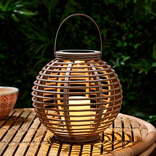 Lights4fun-Grande-Lanterne-Solaire-Effet-Rotin-avec-Bougie-LED-pour-Jardin-0